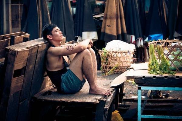 canh_trong_phim_hotboy_noi_loan_va_cau_chuyen_ve_thang_cuoi_co_gai_diem_va_con_vit