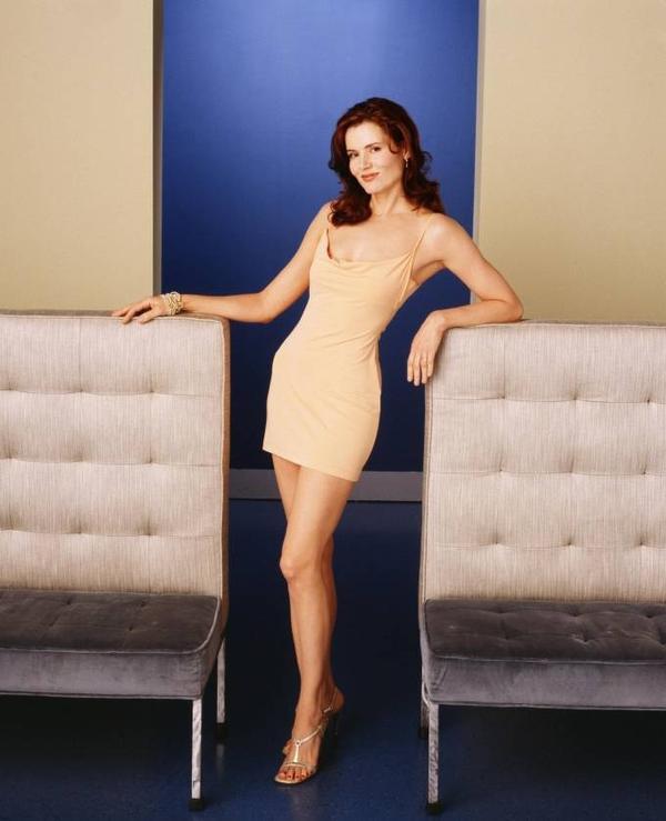 Khởi nghiệp là người mẫu của Victoria's Secret, Geena Davis lấn át nhiều bạn diễn nam ở khoản chiều cao 1m83. Cô sớm chứng minh được tài năng diễn xuất với giải thưởng Oscar.