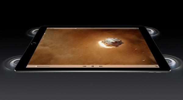 Âm thanh cực đỉnh: Lần đầu tiên, Apple tích hợp 4 loa stereo với hệ chất lượng thanh tuyệt vời ở bốn góc iPad Pro, giờ đây người dùng sẽ không còn phải suy nghĩ về việc cầm iPad như thế nào, quay chiều nào để nghe âm thanh rõ ràng nữa.