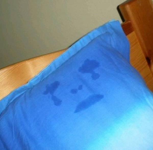 Gối của Katy Perry đẫm nước mắt.