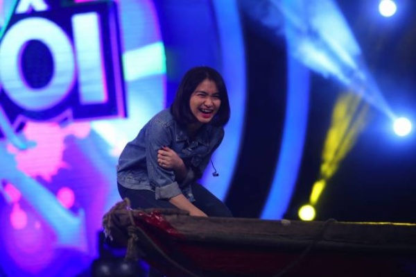 Huong Giang Idol va Hoa Minzy 6