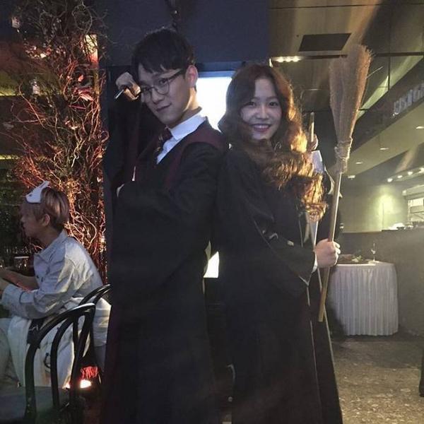 Chen và Yeri (Red Velvet) làm Harry Potter và Hermione Granger