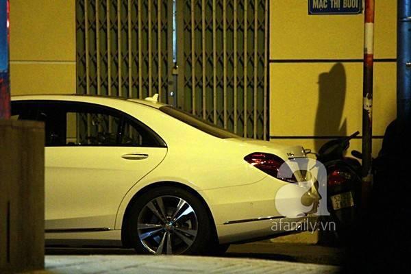 Rạng sáng nay (31/10) chiếc xe tiền tỷ của Cường Đôla bất ngờ xuất hiện tại trung tâm TP HCM.