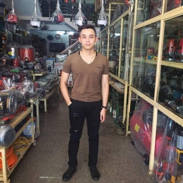 Chân dung Ngô Duy Tân - người con trai lớn vừa tốt nghiệp đại học. (Nguồn: Internet)
