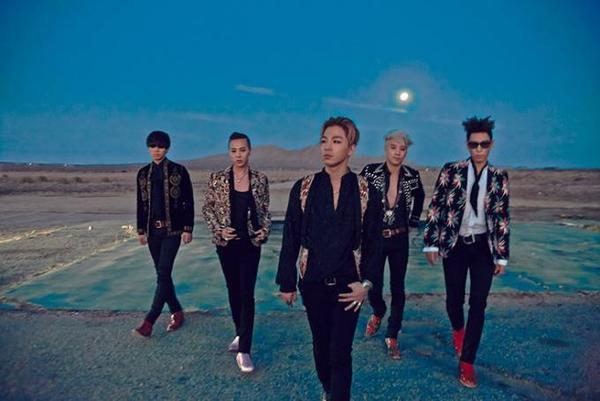 Big Bang có một năm khá thành công với album ăn khách M.A.D.E cùng tour diễn thế giới cháy vé.