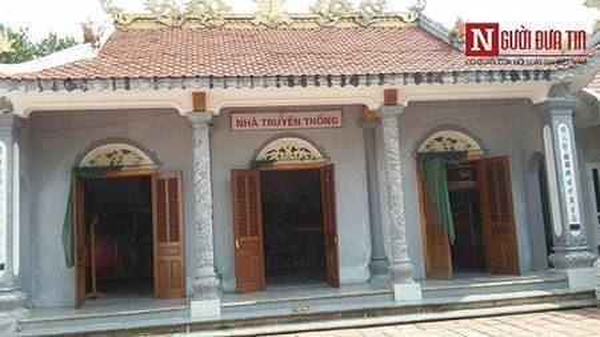 Nhà truyền thống của dòng họ Phan Huy, nơi lưu giữ nhiều hình ảnh và cứ liệu về truyền thống khoa bảng qua các đời.