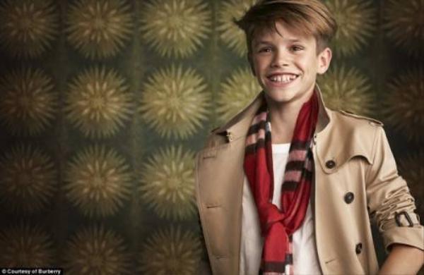 Romeo vào vai Billy lúc nhỏ trong đoạn quảng cáo kỷ niệm của vở nhạc kịch Billy Elliot