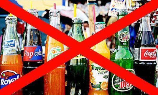 Ngưng uống nước ngọt sẽ giúp cải thiện sức khoẻ của bạn.