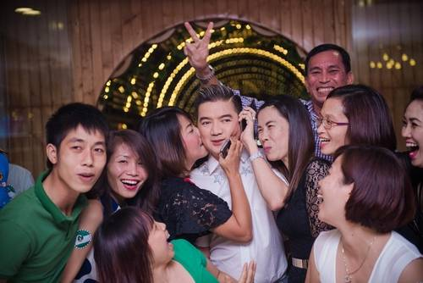 Dam Vinh Hung (1)