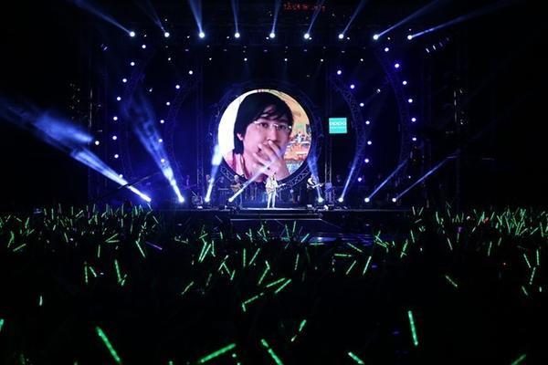 20141112-hai-yeu-to-giup-my-tam-toa-sang-trong-liveshow-heartbeat-4