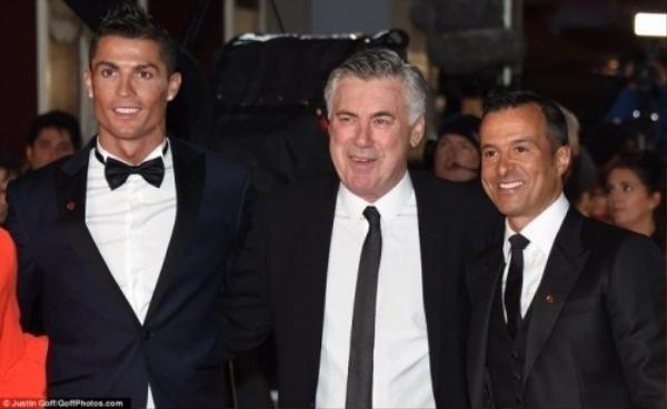 CR7 cùng HLV Ancelotti và người đại diện của Ronaldo - Jorge Mendes