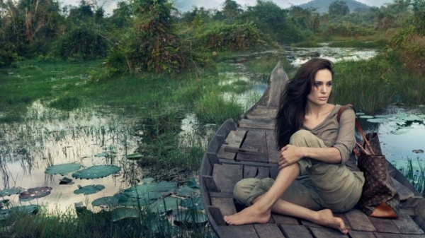 angelina-jolie-louis-vuitton-cambodia-paper-house-fashion-1920x1080-wallpaper27134