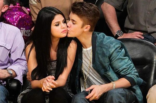 Justin Bieber và Selena Gomez thuở còn mặn nồng.