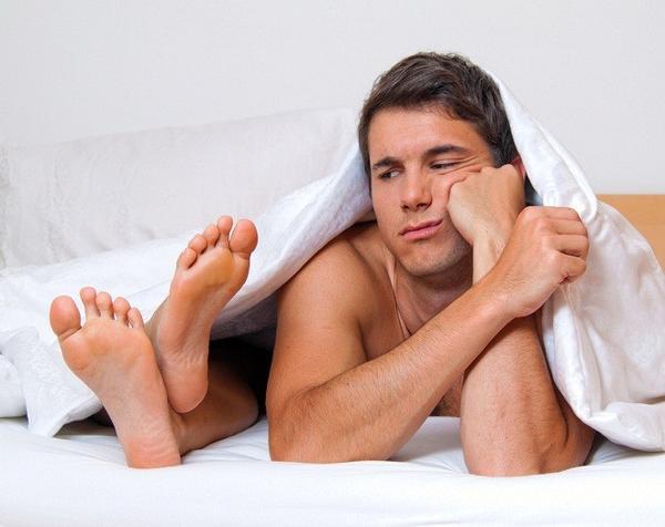 men_in_bed
