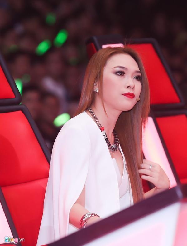 Có tin đồn Mỹ Tâm đưa ra nhiều yêu sách khi ngồi ghế nóng Giọng hát Việt 2015.