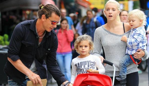 Mindy Mann trong lần ra phố cùng Gavin - chồng của Gwen.