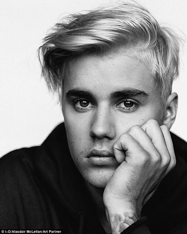 """Tự tin về album Purpose, Justin chia sẻ: """"Khi tôi còn nhỏ, giọng hát khó có thể kết nối với tất cả khán giả. Giờ thì ngay các chàng trai cũng có thể nghe xong và gật gù 'Ồ phải rồi, tôi thích bài hát mới này của Justin'""""."""