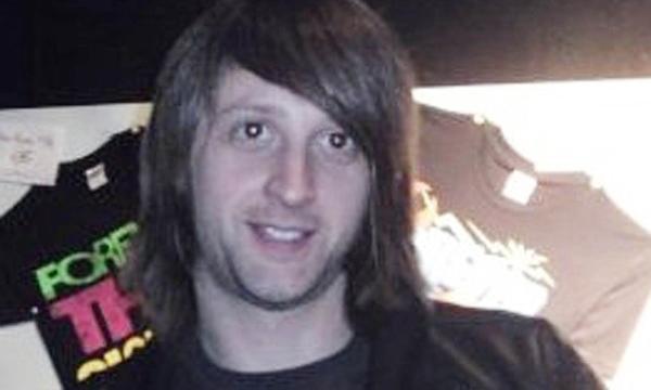Nạn nhân đầu tiên người Anh, Nick Alexander, được công bố tử nạn sau vụ thảm sát ở nhà hát Bataclan (Paris).