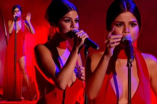 Mùa hè qua, Selena Gomez là tâm điểm bị chê bai vì thân hình phát tướng mất kiểm soát. Những bức ảnh lộ mỡ thừa khi mặc bikini khiến Selena nhận phải những ý kiến bè dỉu. Mặc dù khẳng định vẫn yêu cơ thể không hoàn hảo nhưng giọng ca Good For You tích cực giảm cân để lấy lại vóc dáng như ý.