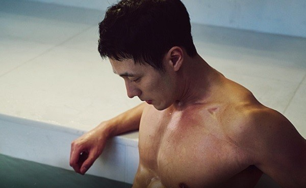 so-ji-sub-khoe-body-05