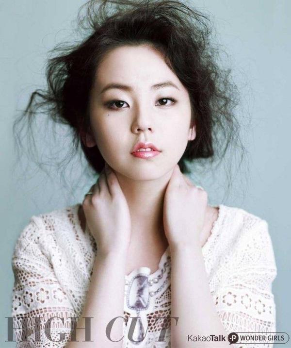Cựu thành viên Wonder Girls - Sohee được khen ngợi vì sở hữu đôi má bầu bình đáng yêu. Nhưng đối với nữ ca sĩ, đôi má này cũng khiến gương mặt cô trông như lên cân.