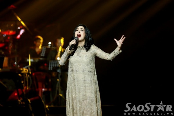 Thanh Lam hát tiếp Giọt nắng bên thềm, Ôi quê tôi.