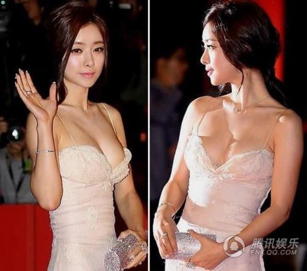 Hong Soo Ah luôn tận dụng mọi dịp để khoe đường cong nóng bỏng trước ống kính.
