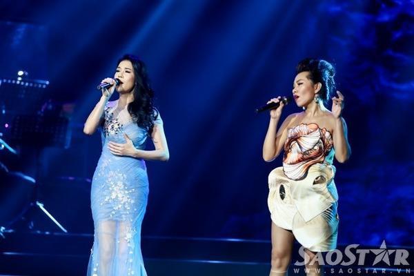 Trần Thu Hà đứng chung sân khấu với Thu Phương trong đêm nhạc