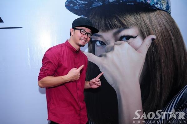 Biên đạo Hà Lê đến chung vui cùng diva gốc Hà thành.  Anh cũng là một trong những khách mời góp mặt trong MV Thăng hoa.