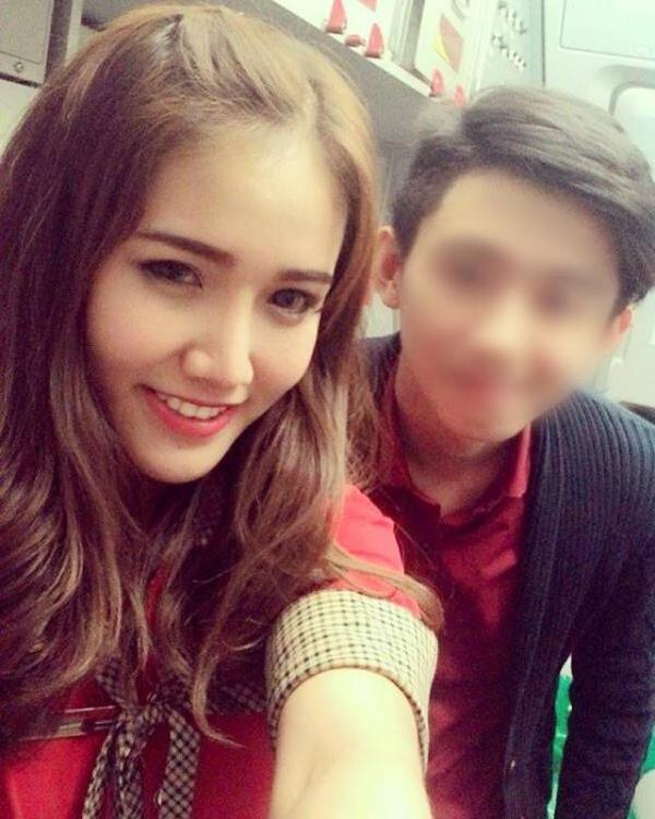 """Một anh chàng đã không ngần ngại """"khoe"""" ngay bức ảnh từng được chụp chung với cô gái này trong một chuyến bay."""