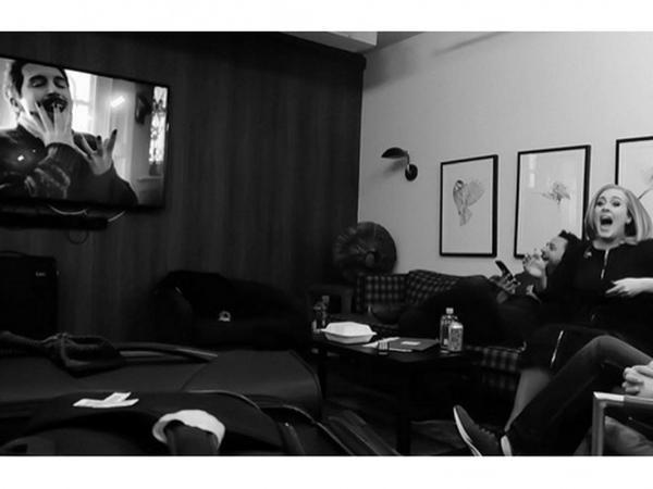 Phản ứng của Adele khi thưởng thức MV nhái Hello.