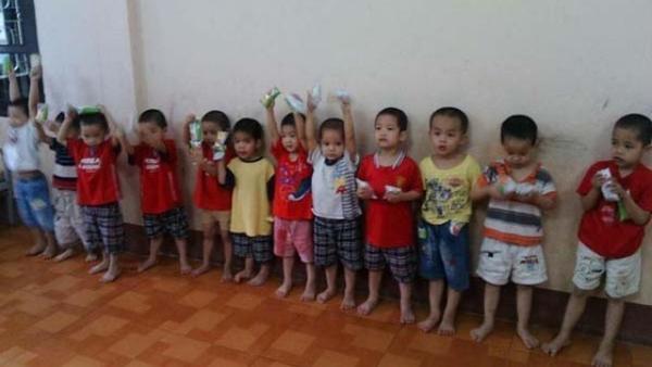 Hình ảnh những bé trai tại Trung tâm bảo trợ.