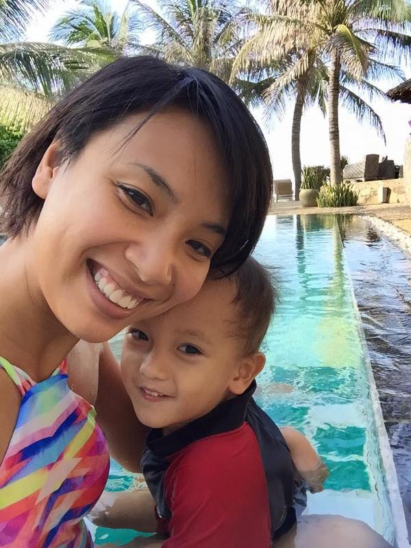 Thùy Minh và con trai
