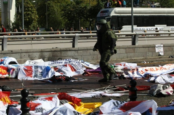 afp-turkey-mourns-95-dead-in-twin-ankara-blasts