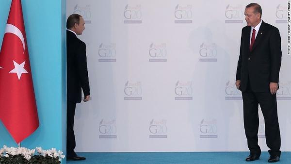 """Tổng thống Nga và Thổ Nhĩ Kỳ đối đầu nhau trong mối quan hệ căng thẳng """"leo thang""""."""