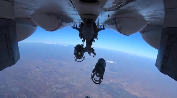 """Một máy bay ném bom của Nga tham gia tấn công """"những kẻ khủng bố"""" ở Syria - Ảnh: Sputnik"""