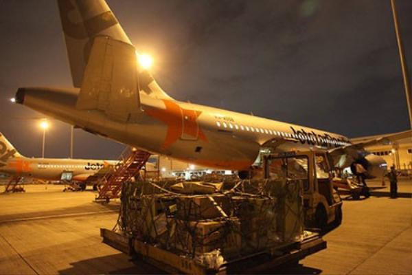 Chuẩn bị lên máy bay - Ảnh do Jetstar Pacific cung cấp.