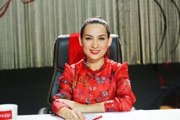 Giam khao Phi Nhung (1)