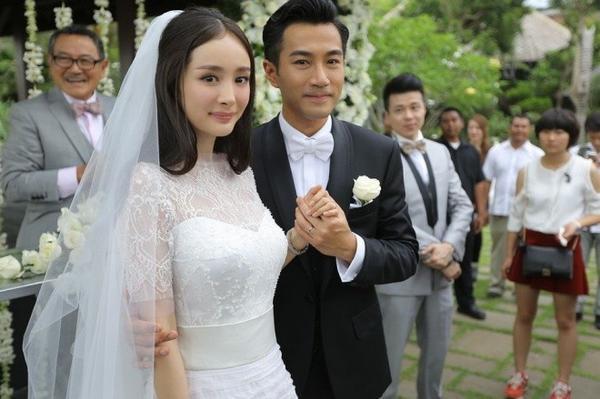 Vợ chồng Khải Uy và Dương Mịch kiếm được 9,3 triệu USD nhờ những dự án phim. Có thể nói, sau khi cưới Dương Mịch, Lưu Khải Uy trở nên nổi tiếng hơn hẳn.