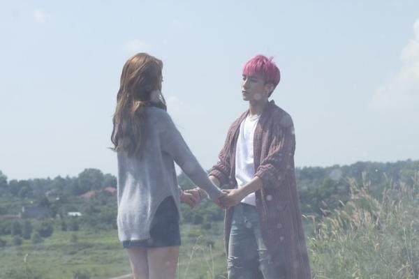 Một số cảnh tình cảm trong MV