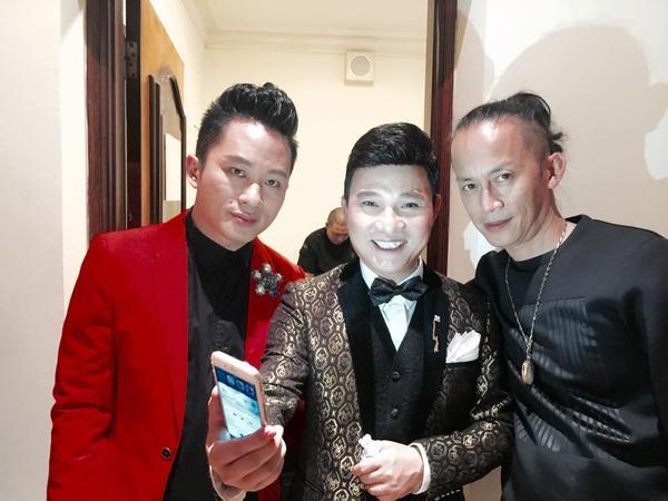 Andre có tình bạn lâu năm với các nghệ sỹ lớn, đặc biệt là Tùng Dương