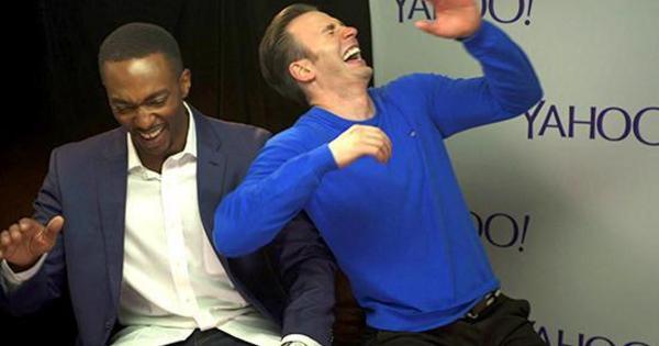 Ở bên ngoài, tính cách hài hước là cầu nối giữa hai nam diễn viên.