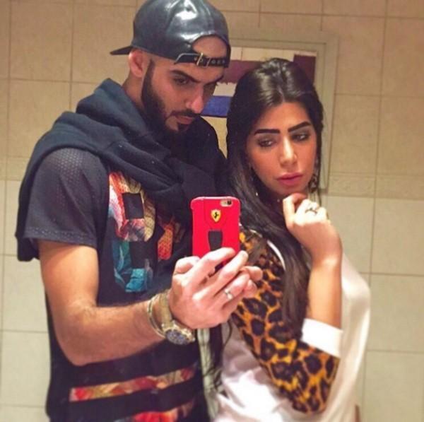 """Cặp đôi đăng tải ảnh chụp chung và nhan sắc cô gái nhanh chóng bị """"mổ xẻ""""."""