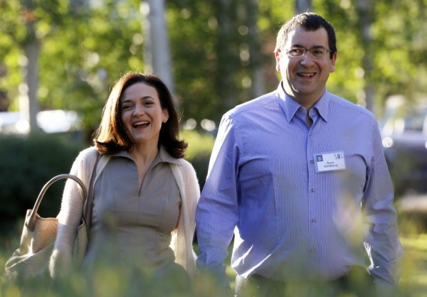 Sheryl Sandberg, COO of Facebook, and her late husband David Goldberg, are part of The Giving Pledge. REUTERS/Rick Wilking