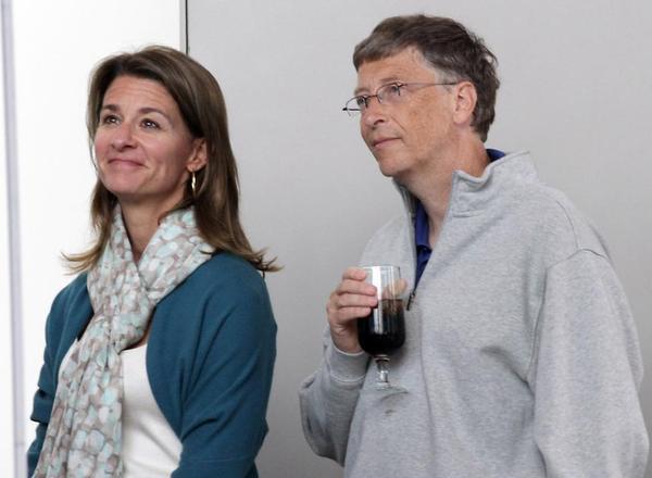 Ngoài tham gia vào chiến dịch Giving Pledge, hai vợ chồng tỉ phú thế giới Bill Gates còn quyên tặng 1,3 tỉ USD năm 2014, Reuters cho biết.