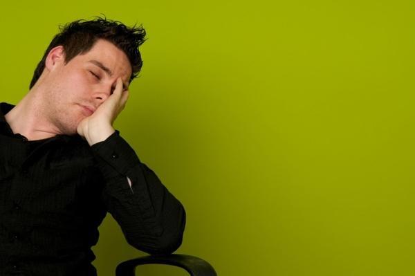 Thiếu tập trung,dễ xao nhãng trong công việc.