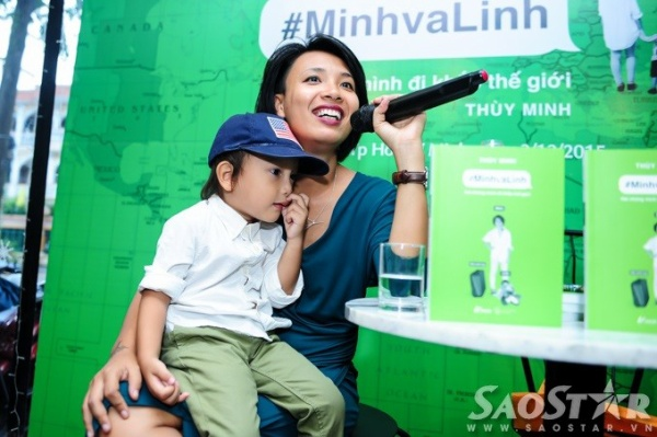 Thùy Minh và con trai Linh Hawkins.