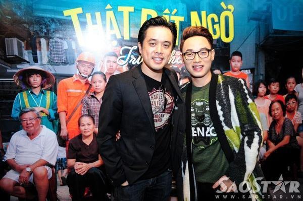 Với nhà sản xuất âm nhạc Dương Khắc Linh, anh chọ rằng Trúc Nhân làm việc rất kỹ tính và đam mê nghệ thuật. Người yêu của Trang Pháp nhận xét tiếp, để làm một MV như thế này không dễ và tin tưởng người yêu nhạc sẽ thích MV.
