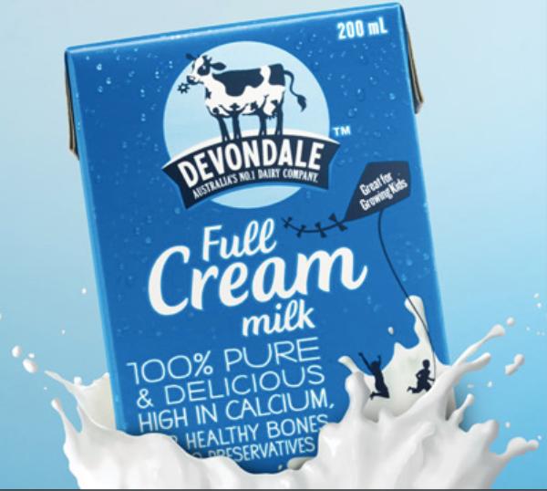 Có thể chọn sữa tươi nguyên kem hoặc sữa tươi không đường