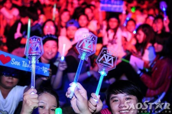 Lightick của Sơn Tùng M-TP. Chàng trai gốc Thái Bình là ca sĩ Việt Nam đầu tiên có lightick riêng dành cho các fan.